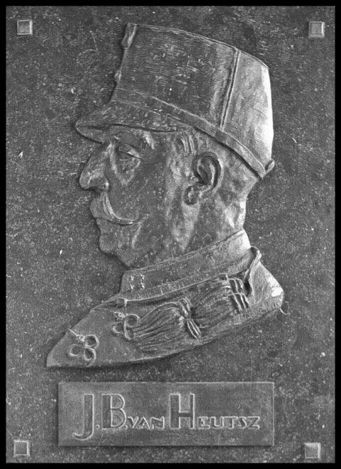 van Heutsz, reliëf brons, 1965