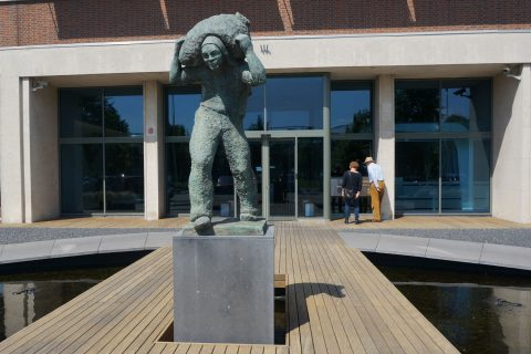 Lastdrager, Fa.Steinweg, Parmentierplein, Rotterdam. Huidige plaats.