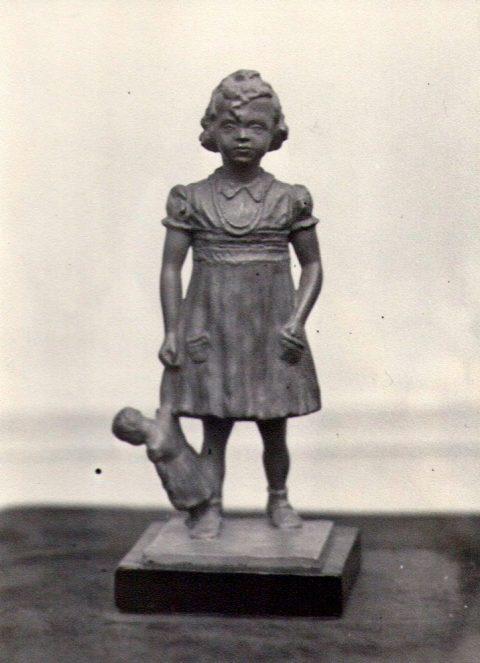 Meisjes figuur, naar portret, gips,17 cm